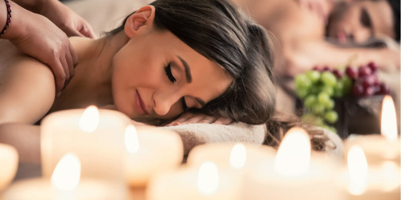 Świece do masażu - masowanie świecą