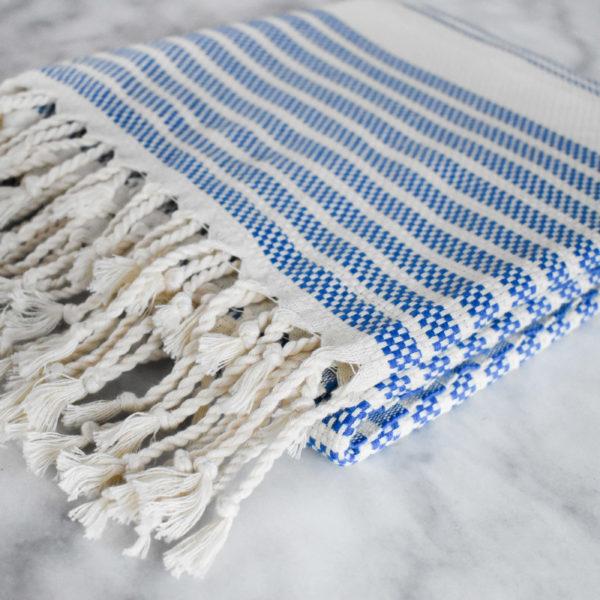 Niebieski Ręcznik Fouta - Ręcznik do Hammam - świece sojowe Yush