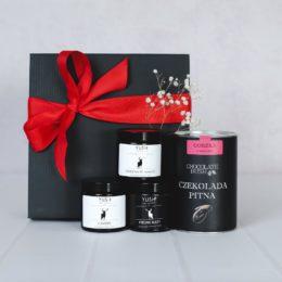Słodki zestaw prezentowy 3 małe świece sojowe i pitna czekolada